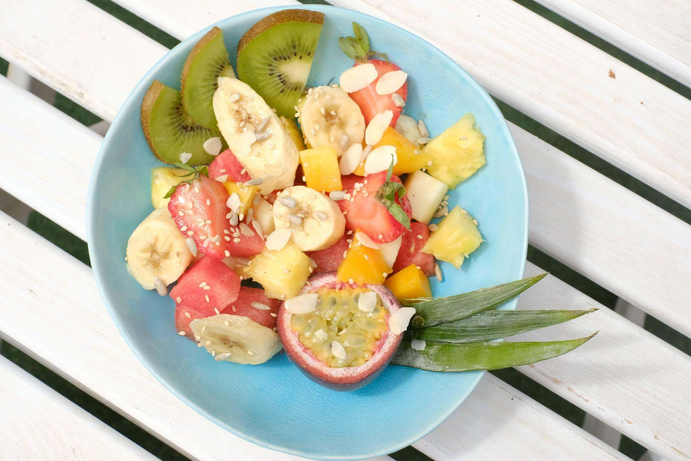 fruit-salad-fruits-ronis-deli-healthy-superfood-protein