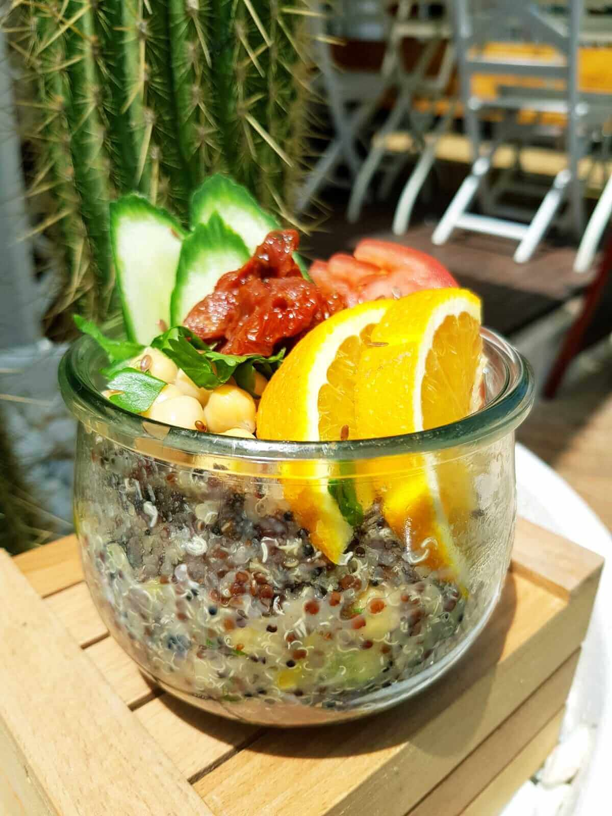 homemade-chinoa-bowl-eggs-superfood-healthy-ronis-deli