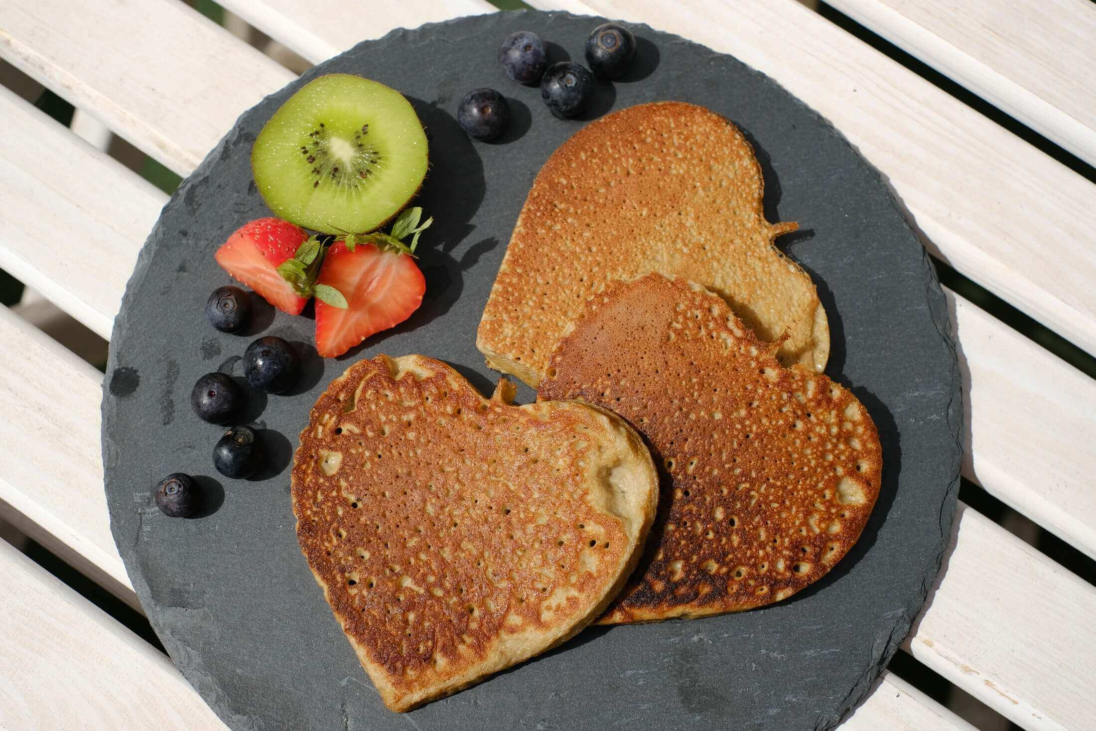 protein-pancakes-ronis-superfood-healthy-berries