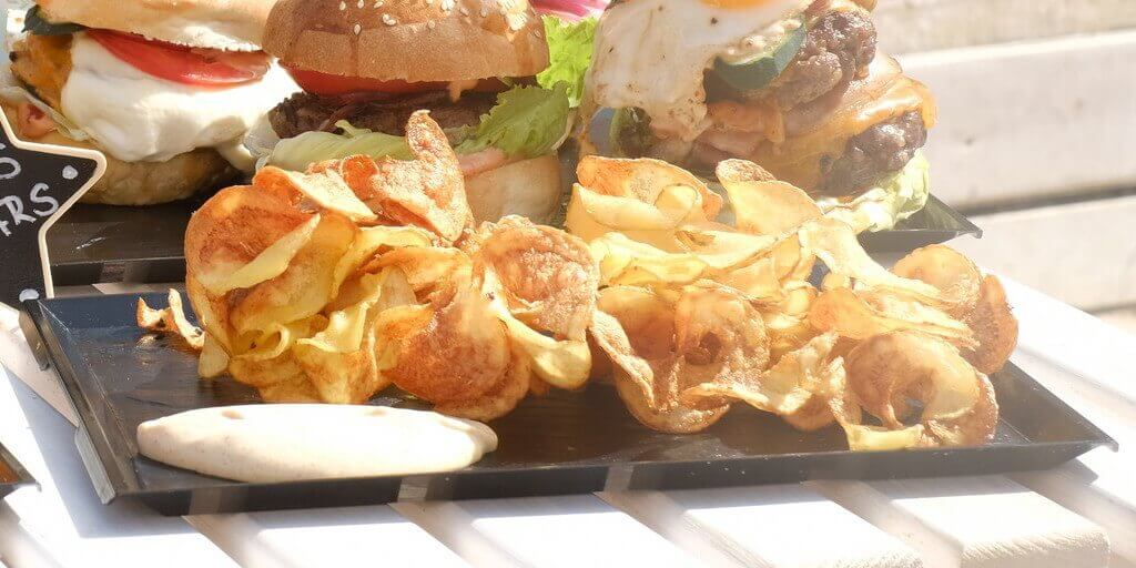 spiral-potato-chips-fries-ronis-deli-burger-playa-den.bossa