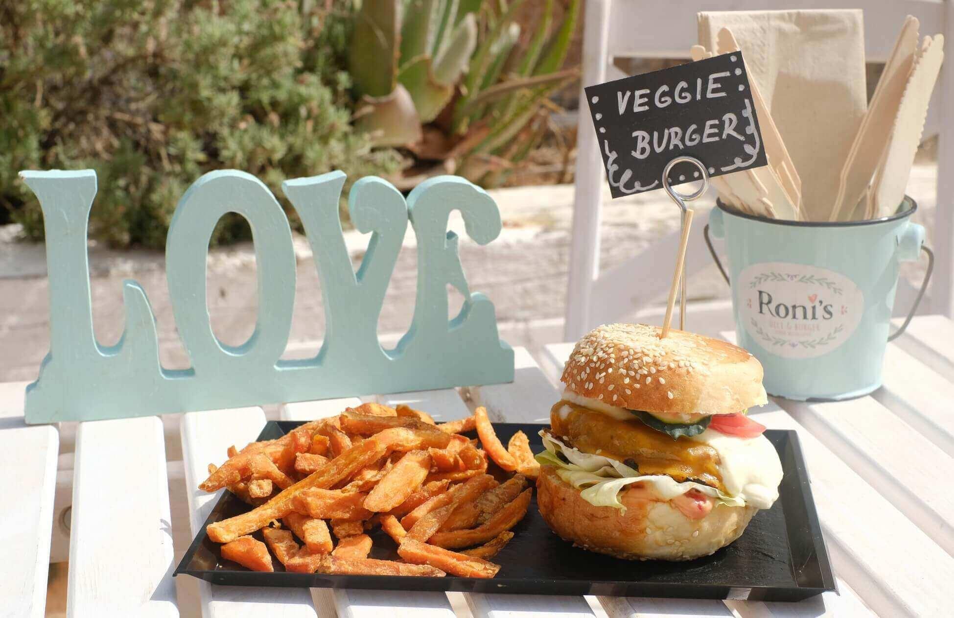 veggie-burger-ronis-deli-burgers-playa-den-bossa